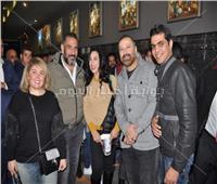 صور| لطفي وعز يحتفلان بعرض «استدعاء ولي عمرو».. وغياب حورية فرغلي