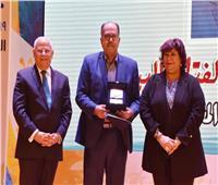 وزير الثقافة مع ٣٥٠ من أدباء مصر في بورسعيد