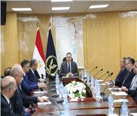 وزير الداخلية يُناقش الخطة الأمنية لفاعليات منتدى أسوان