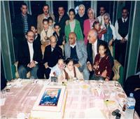 صور| احتفال الحرافيش بعيد ميلاد «نجيب محفوظ»