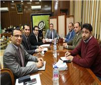 محافظ المنوفية يناقش آليات توقيع بروتوكول تعاون مع «المصرية للاتصالات»