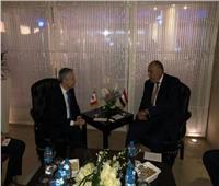 شكري يلتقي نظيره الكندي لبحث تعزيز التعاون بين البلدين