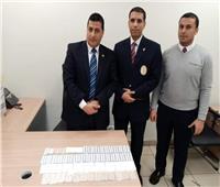 «جمارك مطار القاهرة» تضبط محاولة تهريب أقراص مخدرة من إيطاليا