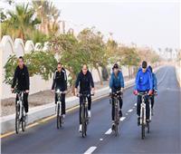 بسام راضي : الرئيس السيسي يقوم بجولة تفقدية بالدراجة في شرم الشيخ