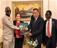 وفد مصري يزور أوغندا لبحث انشاء مركز تجاري للصناعات الجلدية