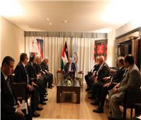 على هامش منتدى شباب العالم.. الرئيس الفلسطيني يستقبل وفدًا من المفكرين المصريين