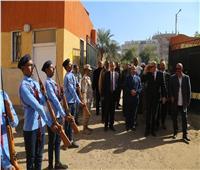 محافظ قنا: المدارس العسكرية تخلق جيل قادر على مواجهة التحديات