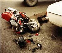مصرع طالب وإصابة آخرين في تصادم دراجتين بخاريتين بقنا