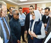 وزيرة الصحة تستطلع آراء المواطنين في خدمات التأمين الصحي الشامل ببورسعيد