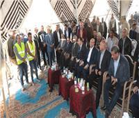 وزير النقل ومحافظ بني سويف يتفقدان العمل بكوبري المديرية