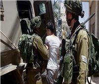 الاحتلال الإسرائيلي يعتقل 11 فلسطينيا من الضفة الغربية بعد مداهمة منازلهم