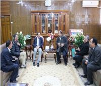 محافظ شمال سيناء يشيد بدور القوافل التعليمية العريش