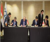 اقتصادية قناة السويس توقع عقد تشغيل محطة دحرجة السيارات بشرق بورسعيد