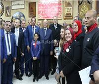 محافظ القاهرة يكرم أبناء الأسمرات