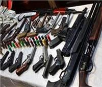 الداخلية تضبط 2231 قطعة سلاح وتنفذ 82 ألف حكم