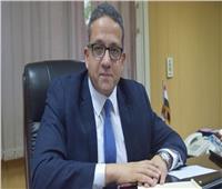 «العناني» يتجول داخل وزارة السياحة للتعرف على العاملين