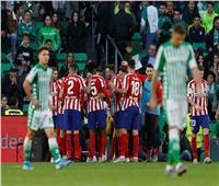 فيديو| أتلتيكو مدريد يعبر ريال بيتيس بهدفين في الدوري الإسباني
