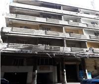 صور| انهيار أجزاء من عقار بالإسكندرية بسبب الطقس السيئ