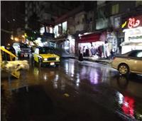 صور  أمطار غزيرة والبحر يجتاح الكورنيش.. الفيضة الصغرى تقسو على الإسكندرية