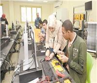 «الأسطى باشمهنـدس».. الجامعات التكنولوجية «شهادة وشغل مش برواز وحيط»