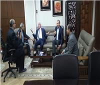 محافظ جنوب سيناء ومدير «تطوير المناطق العشوائية» يبحثان سبل التعاون
