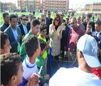 نبيلة مكرم و«الأنصاري» يلتقيان طلاب الفيوم ضمن مبادرة «مراكب النجاة»