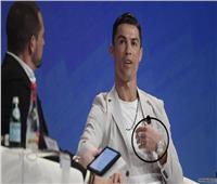 اليد اليسرى لكريستيانو رونالدو تساوي أكثر من 800 ألف دولار !