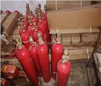 مباحث التموين بالقاهرة: ضبط مصنع يعيد تعبئة طفايات الحريق الفارغة بمواد مجهولة