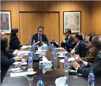 ننشر تفاصيل لقاء خالد العناني مع رؤساء اتحادات الغرف السياحية
