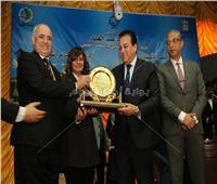 وزير التعليم العالي يشارك في احتفالية جامعة الفيوم بعيد العلم