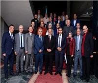 رئيس جامعة طنطا يكرم المشاركين بالقافلة الطبية بالبحر الأحمر