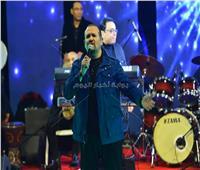 صور| هشام عباس يُشعل حفل رأس السنة في كايرو فيستفال