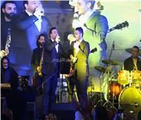صور| عاصي الحلاني وابنه يُشعلان حفل ليلة رأس السنة بالقاهرة