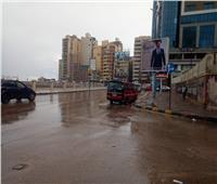 صور| هطول أمطار غزيرة على الإسكندرية.. وانتظام الملاحة البحرية