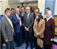رئيس جامعة المنصورة يفتتح 15 وحدة عناية مركزة جديدة بمستشفى الطوارئ