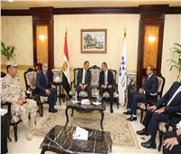 وزير الاتصالات يصل سوهاج لافتتاح عددا من المشروعات بالمحافظة