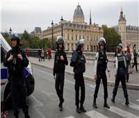 الشرطة الفرنسية تقتل شخص قبل تنفيذه عملية طعن في باريس