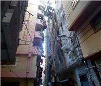 بسبب الطقس السيئ.. انهيار جزئي لعقار في الإسكندرية
