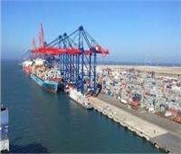 نشاط ملحوظ في حركة السفن بميناء الإسكندرية رغم الطقس السيئ