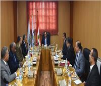 وزير البترول يعقد اجتماعا موسعا مع قيادات هيئة الثروة المعدنية