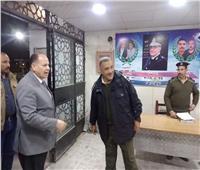 محافظ أسيوط يزور مركز شرطة ديروط ويتفقد بعض الخدمات والأكمنة أمام الكنائس