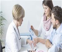 «استشاري» يوضح عوامل نجاح الحقن المجهري للزوجة
