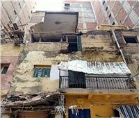 صور| انهيار جزئي لعقار بالإسكندرية بسبب الأمطار