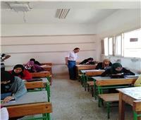 ٩٤٠٨ طالب بالصفين الأول والثاني الثانوي يؤدون إمتحان اللغة العربية ببورسعيد