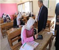 3442 طالب وطالبة يؤدون امتحانات الصف الأول والثاني بالثانوية بالوادي الجديد
