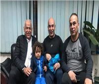 فرج عامر يثير الجدل حول هوية خليفة حسام حسن