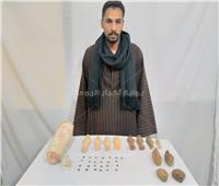 ضبط 39 قطعة أثرية بحوزة فلاح في أسيوط
