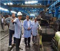 رئيس هيئة السكة الحديد يقوم بزيارة مفاجئة لورش «فرز القاهرة» و«العباسية»