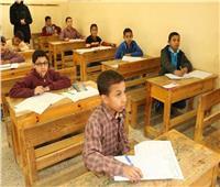 تسليم أسئلة امتحانات الشهادتين الابتدائية والإعدادية الأزهرية بالأقصر
