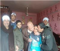 الشرطة تعيد طالبين لأسرتيهما بسوهاج بعد 3 أيام من اختفائهما.. صور